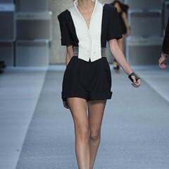 Foto 5 de 15 de la galería karl-lagerfeld-primavera-verano-2010-en-la-semana-de-la-moda-de-paris en Trendencias