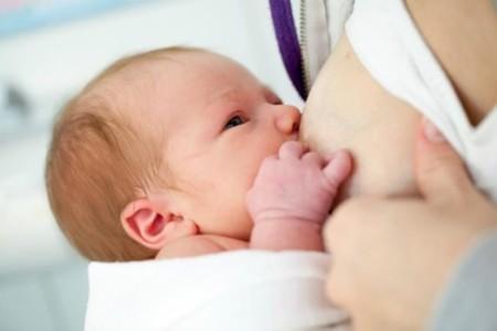 Leche materna, la primera vacuna del bebé