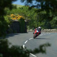 Las motos eléctricas también vuelan en el TT