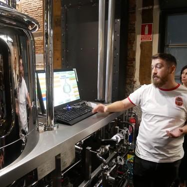 Así es la micro fábrica de cerveza que Mahou ha abierto en el centro de Madrid