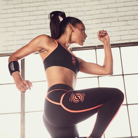 7 entrenamientos gratis de Strong by Zumba para hacer deporte online desde casa con música super motivadora (que hemos probado)