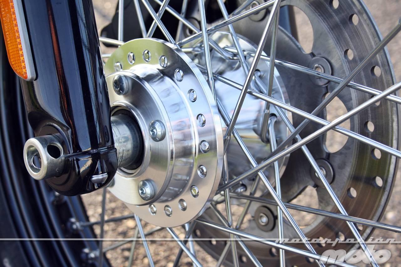 Foto de Harley Davidson DYNA Street Bob, prueba (valoración, ficha técnica y galería) (14/35)