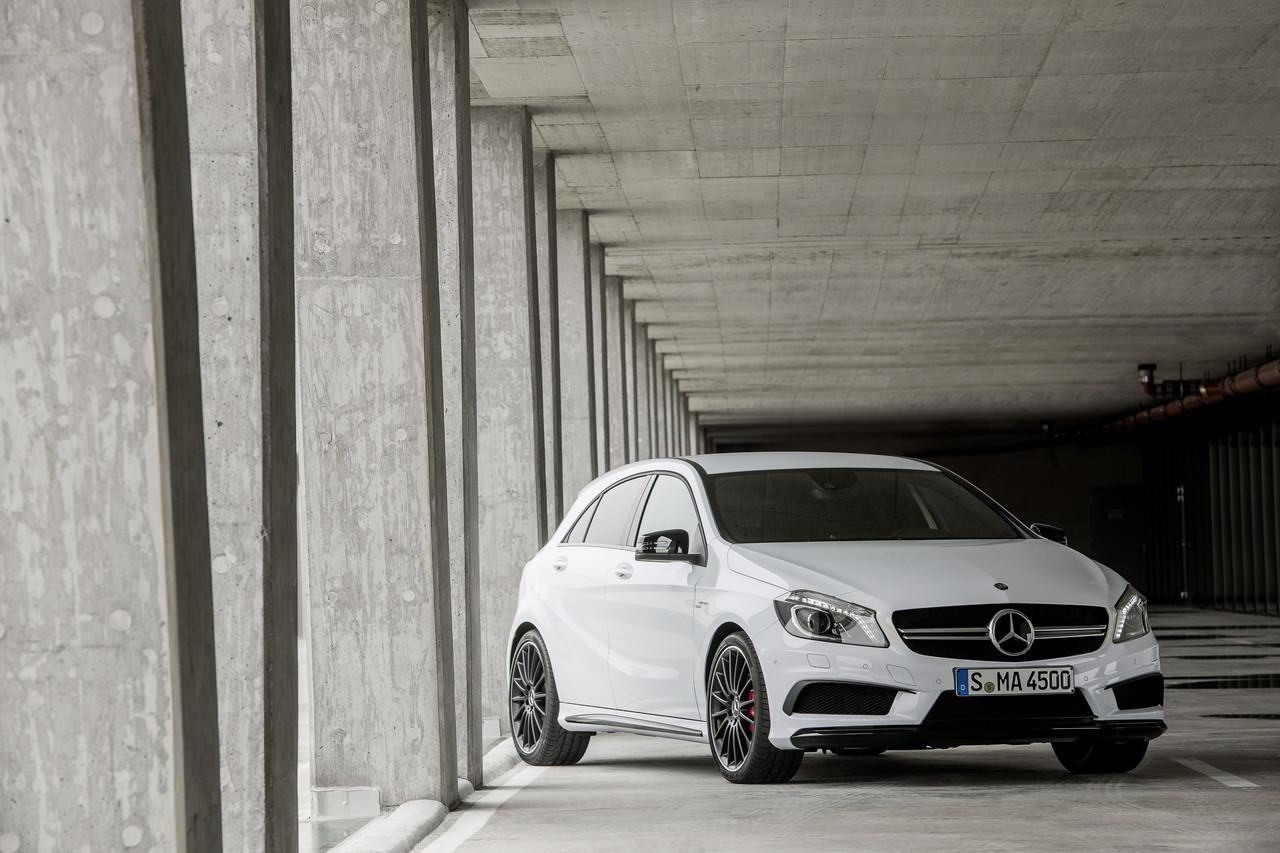 Foto de Mercedes-Benz A 45 AMG (4/24)