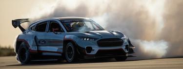 El Mustang Mach-E 1400 es un campo de pruebas para el futuro de Ford con 1,400 hp y 7 motores eléctricos