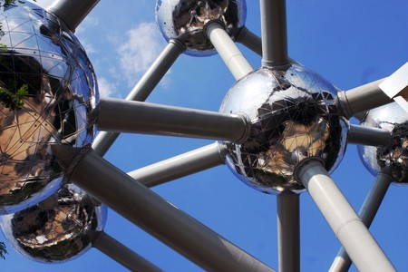 Europa lidera con fuerza la recuperación económica tras la catástrofe del Coronavirus, dejando claramente atrás a Reino Unido y EEUU