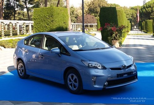 ToyotacreequeelPriusPlug-inconsumemenosqueelChevroletVoltenmodoeléctrico