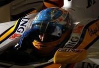 Alonso logra estabilidad en los libres... ¡y dar la campanada!