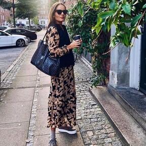 Los chalecos de punto prometen invadir nuestro estilo: para estar por casa o para salir a la calle, el street style nos muestra cómo combinarlos