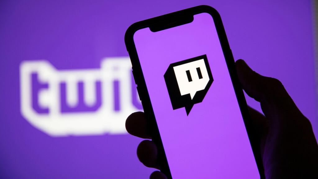 Twitch ha empezado a experimentar con anuncios que aparecen en mitad de la emisión sin que el streamer pueda controlarlos