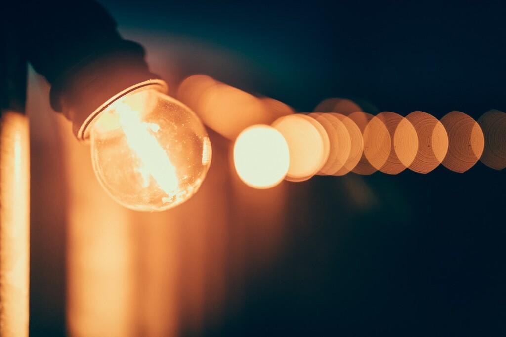 La luz ya supera los 100 euros por MWh: su mayor precio en 20 años