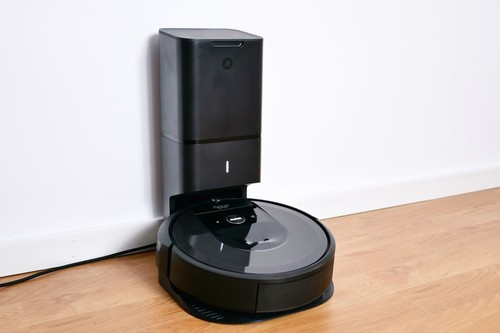 Roomba i7+, análisis: la evolución y revolución de iRobot llega con este robot aspirador que se limpia solo