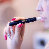 Distinto dispositivo, ¿misma nicotina? Qué hay detrás de IQOS y Juul, el futuro de la industria tabacalera