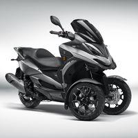 Tres ruedas, 28 CV y estética renovada para el nuevo Quadro QV3, la alternativa al Piaggio MP3