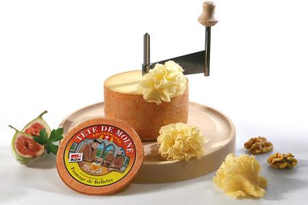 Carne, fruta, verdura: 7 canapés con las mejores combinaciones para el queso que fascinó a los monjes de Bellelay
