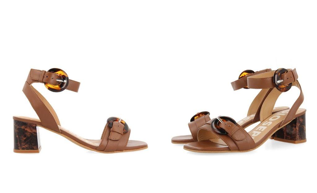Sandalias de tacón de mujer Gioseppo color cuero con cierre con hebilla en el tobillo
