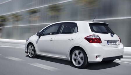 Toyota-Auris-HSD-tras-3