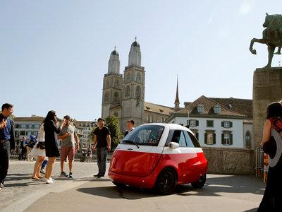 El Microlino EV es la versión eléctrica moderna del BMW Isetta