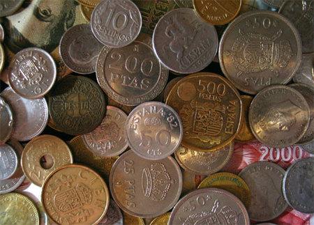 Cenas históricas pagando con pesetas