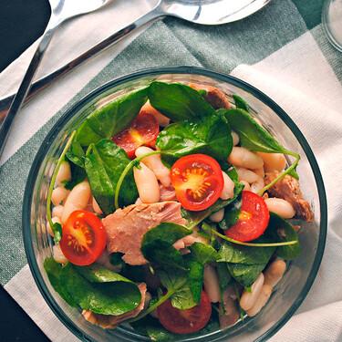 Ensalada de alubias con berros, cherry y ventresca: receta saludable para disfrutar de las legumbres en verano