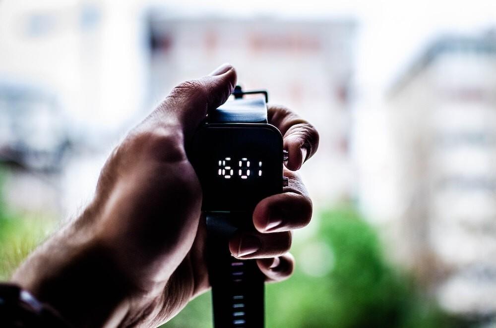 La mejores 21 pulseras inteligentes básicas para medir calorías y pasos: Xiaomi, Huawei, Samsung y más)