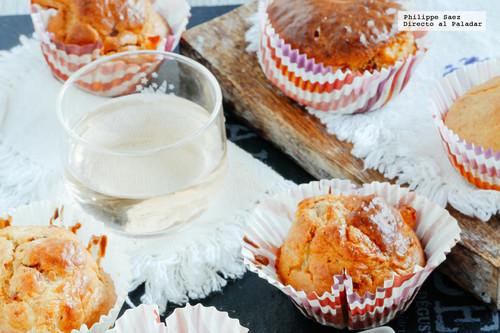 Muffins de tomate seco y mozzarella. Receta de botana para Navidad y Año Nuevo