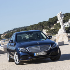 mercedes-c-250-exclusive-line-cavansitblau