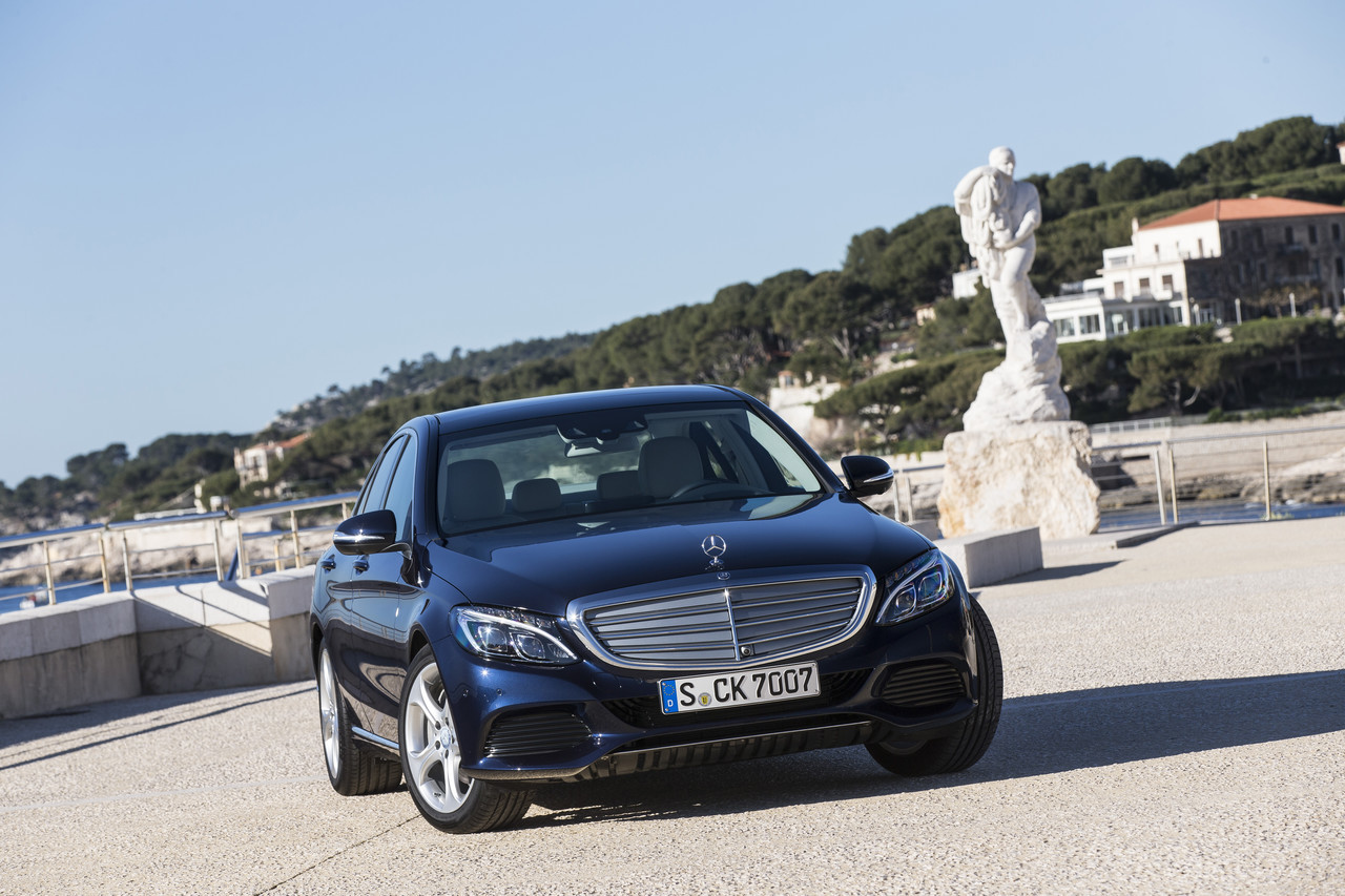 Foto de Mercedes C 250 Exclusive Line Cavansitblau (1/43)
