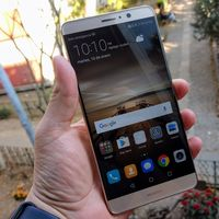 """""""Huawei Mate 10 tendrá pantalla sin marcos, mejor autonomía y cámaras más poderosas"""": Richard Yu"""