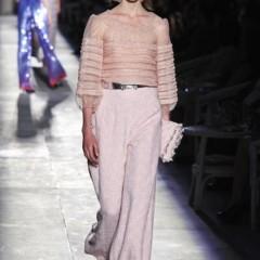 Foto 43 de 61 de la galería chanel-alta-costura-otono-invierno-2012-2013-rosa-gris-brillos-y-nuevo-vintage en Trendencias