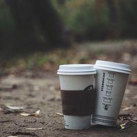 La carrera tecnológica por sustituir los vasos desechables del café antes de que los prohíban