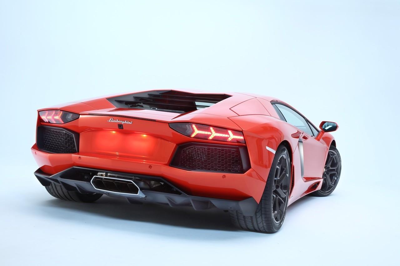 Foto de Lamborghini Aventador LP700-4 (54/62)