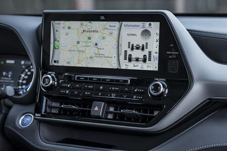 Toyota Highlander Electric Hybrid 2021 Interior 3