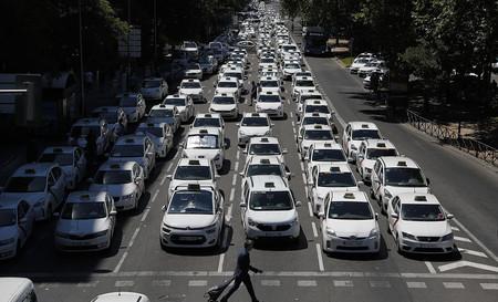 Los taxistas de Madrid han decidido desconvocar la huelga tras 16 días de paros