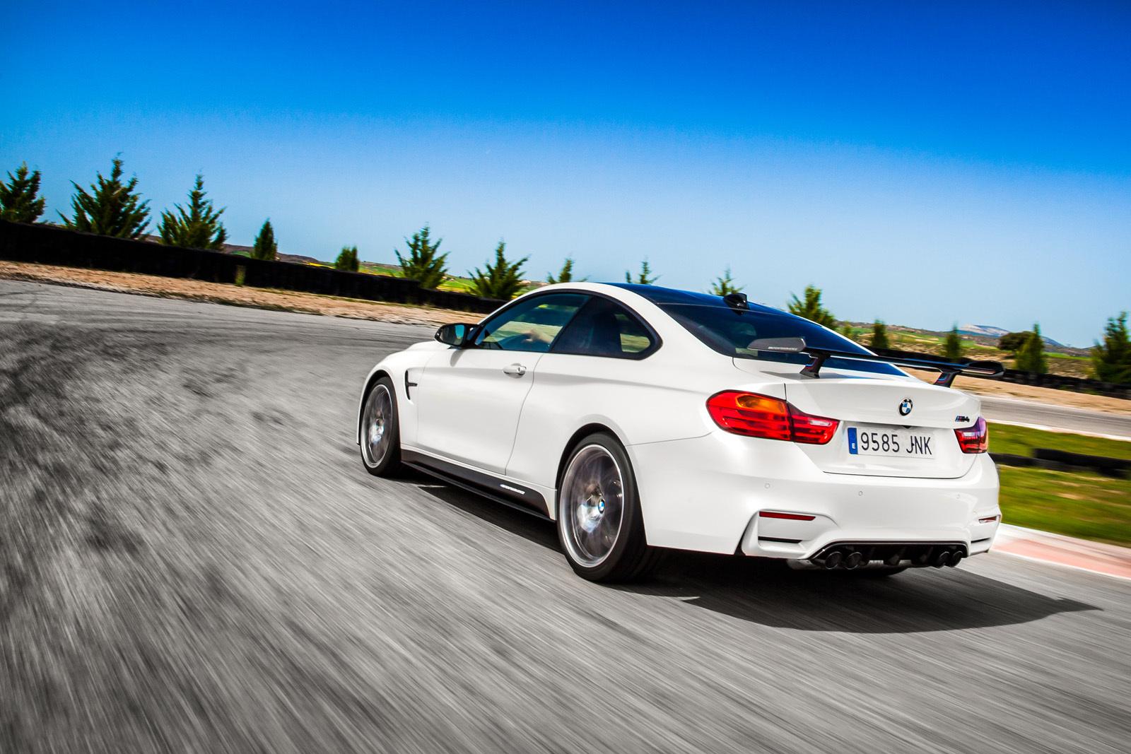 Foto de BMW M4 CS (20/60)