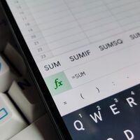 """Hojas de cálculo de Google ahora muestran sugerencias """"inteligentes"""" de fórmulas: trabajo más sencillo sin aprenderlas de memoria"""