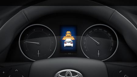 Toyoya Hybrid 04 Geneva Ms 2015 Pre Collision System Dashboard 01