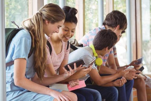 Mi primer móvil: 11 smartphones baratos para niños y adolescentes