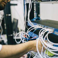 Falsificando información para acceder a sistemas seguros en la nube: la NSA alerta del que podría ser uno de los mayores fallos de seguridad