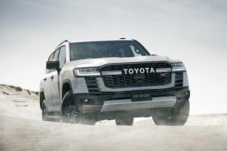 Hay una versión GR Sport del enorme Toyota Land Cruiser 300, y viene con sorpresa