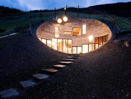 Casas que inspiran: vivir bajo tierra (II)