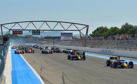 Carlos Sainz Jr responde y gana la primera carrera en Paul Ricard