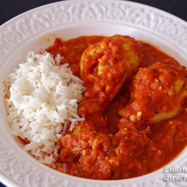 Pollo en salsa de tomate con especias: receta para mojar pan
