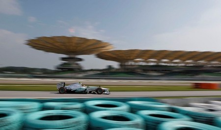 Mercedes y Red Bull creen que Pirelli está perjudicando a los mejores coches