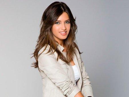 Sara Carbonero es imparable, sigue siendo la reportera más sexy de la tele