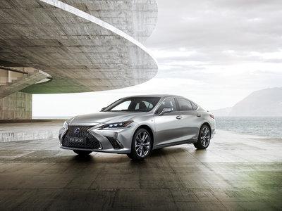 El nuevo Lexus ES 2019, al descubierto: ¡llega a Europa este verano!