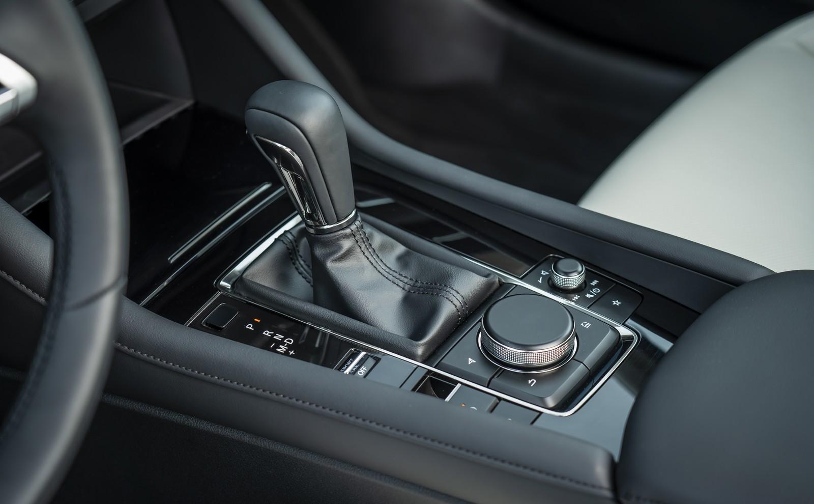 Foto de Mazda3 2019 Sedán (23/40)