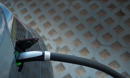 Tesla Model S conector de recarga ultra-rápida