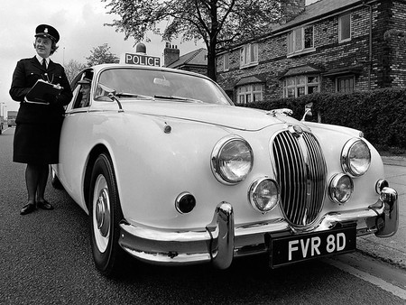 Jaguar Mark 2 Police 1