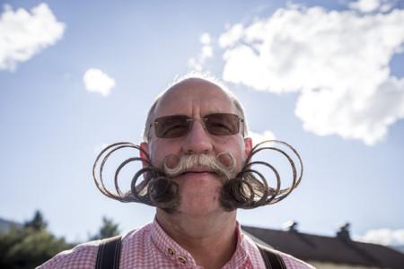 Mustache04