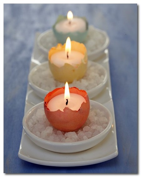 Una buena idea: utiliza cáscaras de huevo como soporte de velas